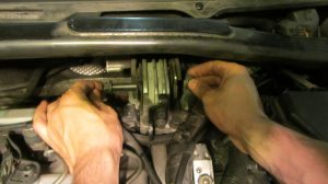 volvo_s80_s60_v70_xc90_d5_replace_upper_engine_mount_2