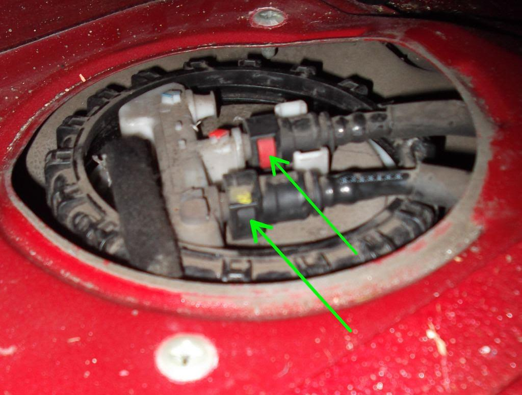 How To Replace Fuel Pump Volvo S40 And V40 1996 2004 Wiring Diagram For Remove The Black Ring Out Of Way Lift Up Unit Carefully So You Dont Bend Metal Rod Floater I Found That After Raised